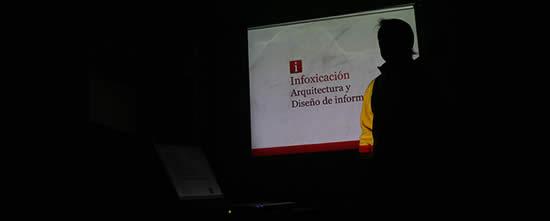 Rafael Castillo exponiendo en el Encuentro Latinoamericano de Diseño 2008